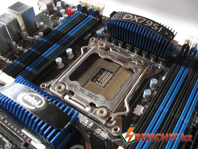 Материнская плата Intel DX79SI на чипсете Intel X79