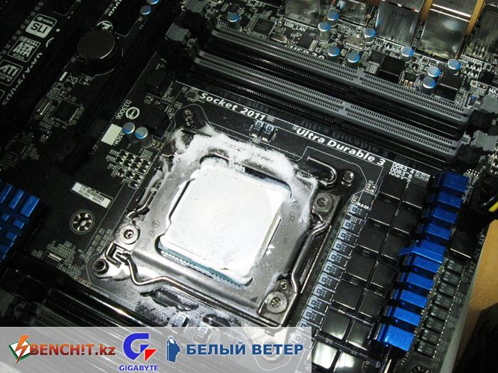 Экстремальный разгон Intel Core i7 3820 - конденсат и вода